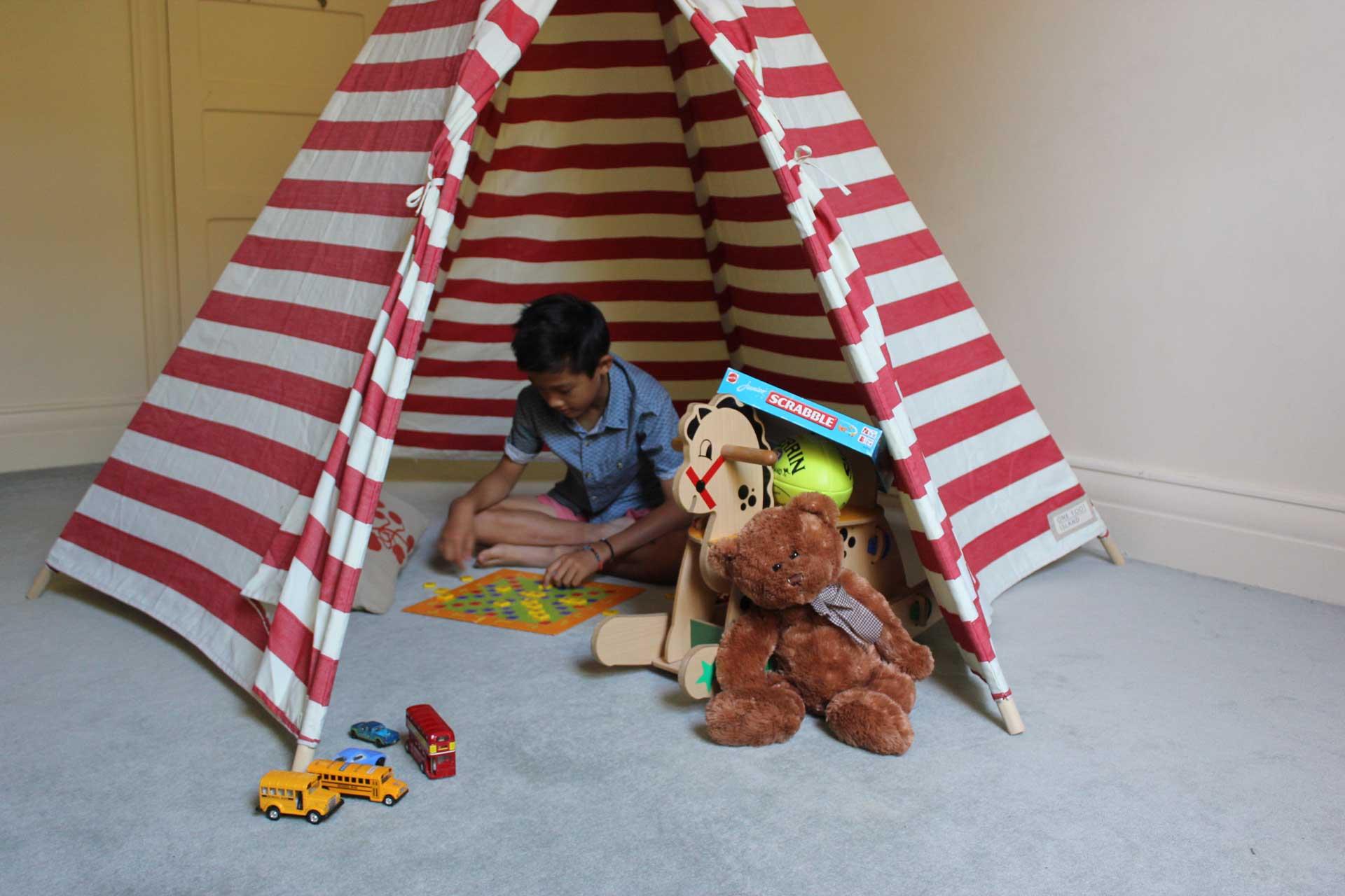 red-teepee-sun-tent