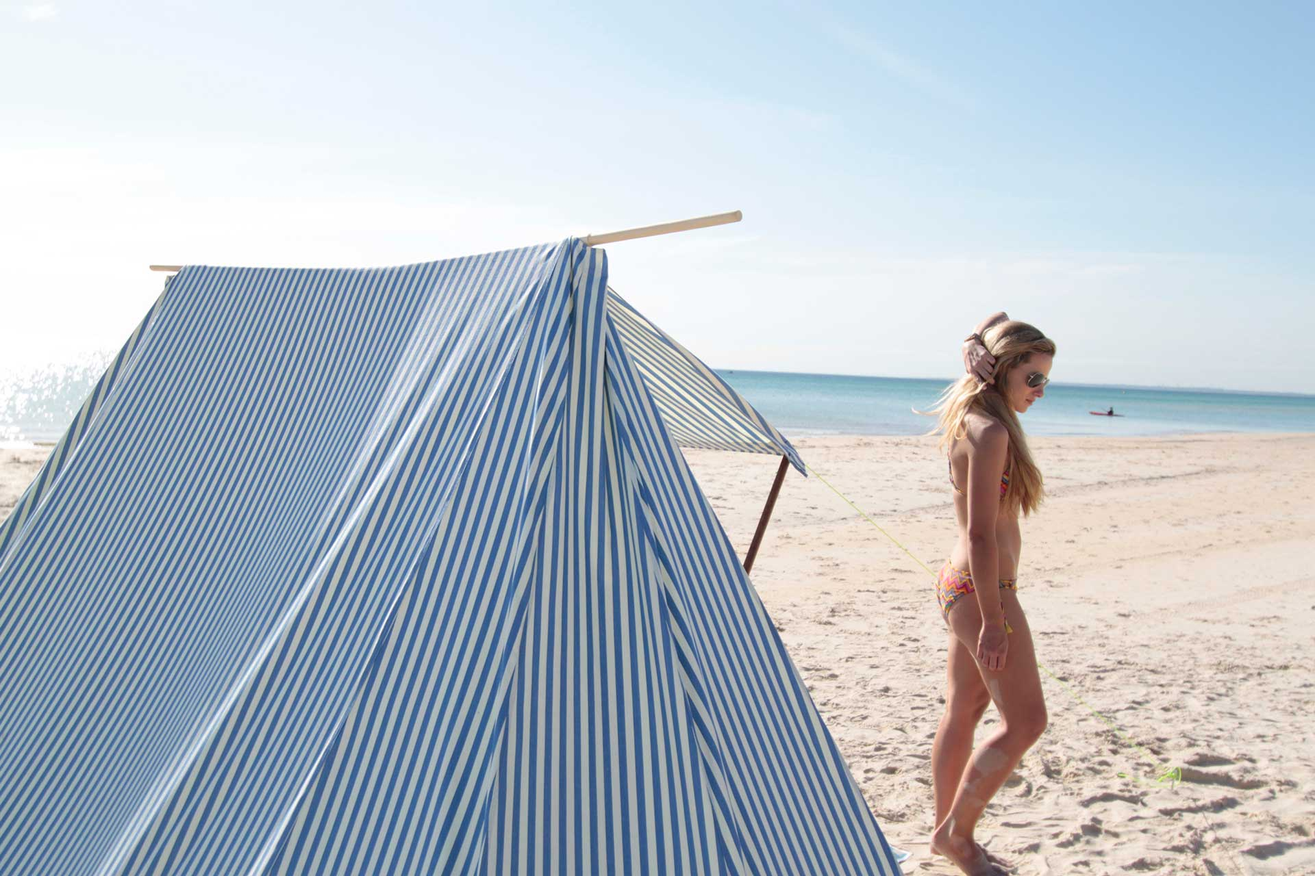 one-foot-island-blue-stripe-beach-sun-tent